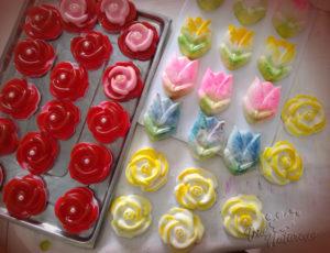 mini sabonetes de rosa e tulipas